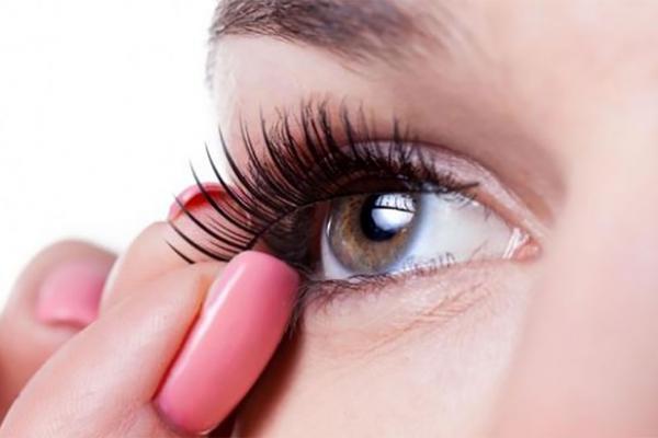 Tips Menjaga Bulu Mata Andalan Wanita